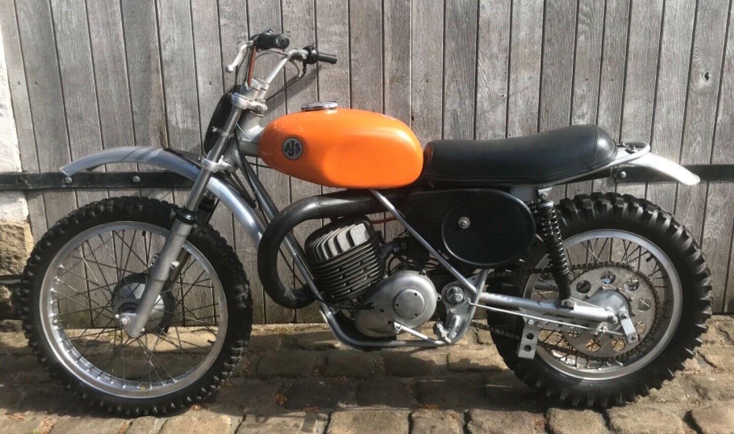 AJS 410 1974 001