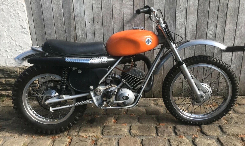 AJS 410 1974 002