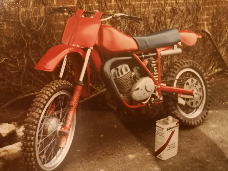 AJS Stormer Red Devil Single Shock 1983